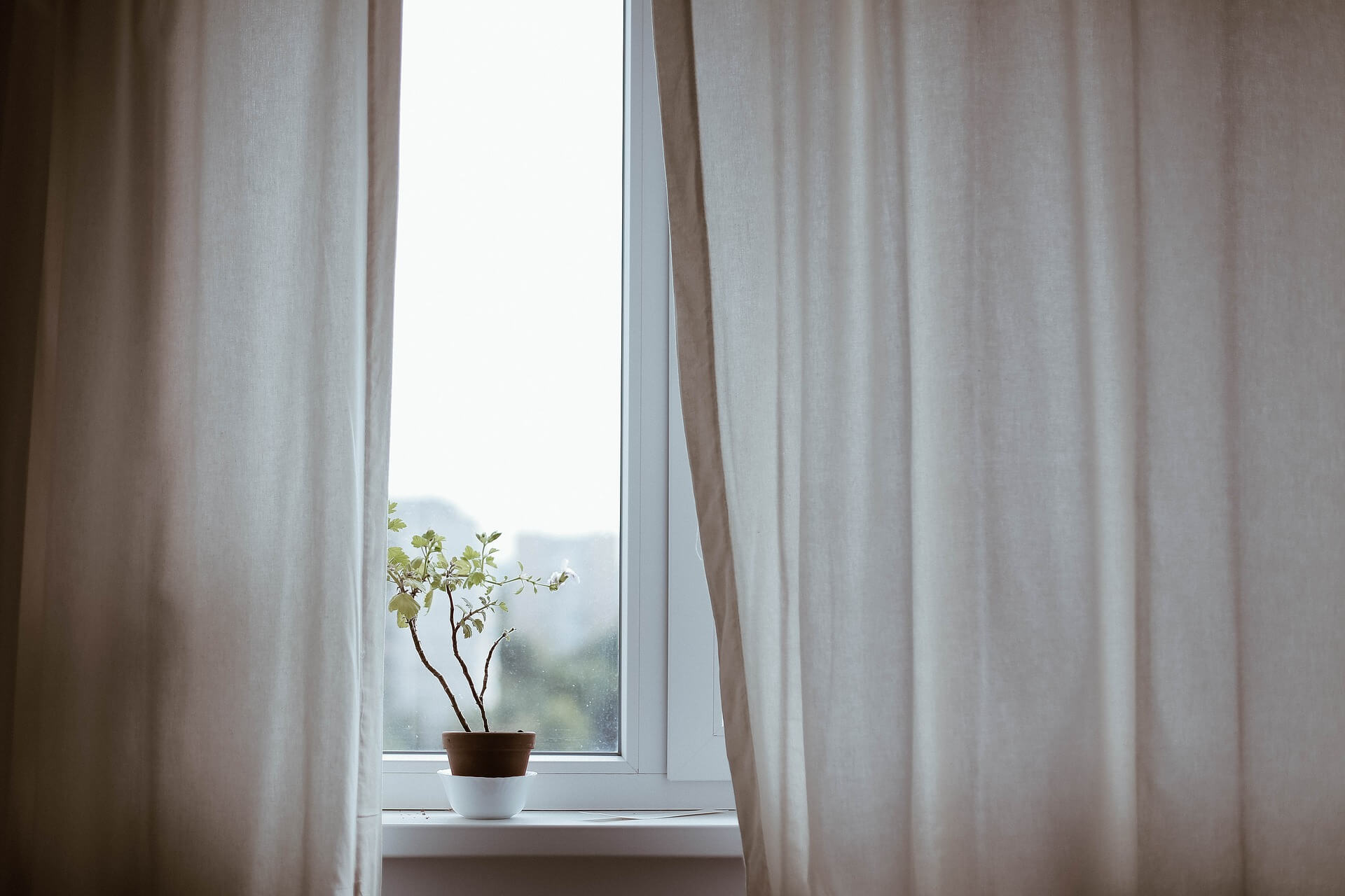 What Curtains Should You Consider with Your Sash Windows